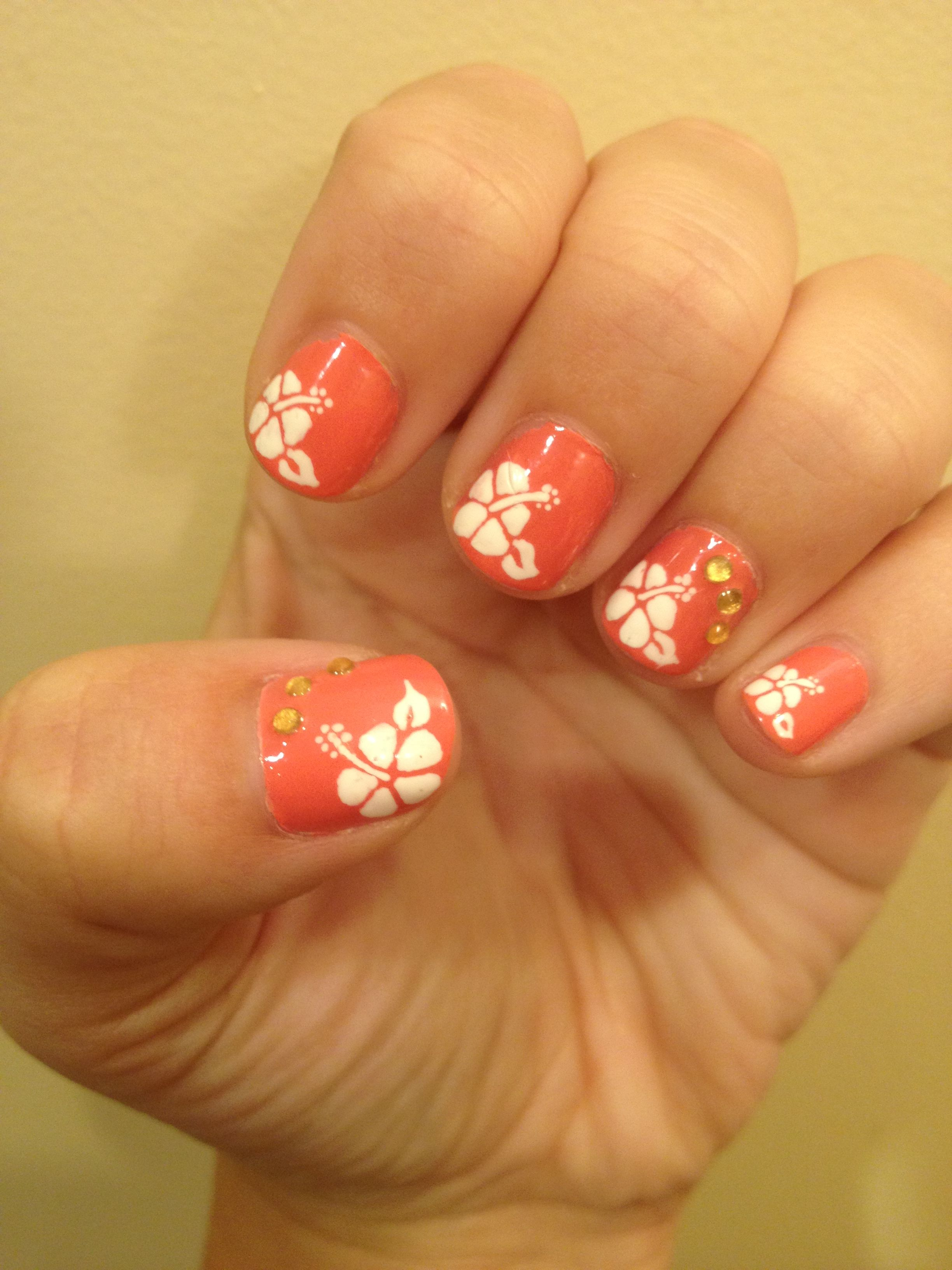 Hibiscus Nails For Hawaii Flower Nails Hawaiian Flower Nails Flower Nail Art