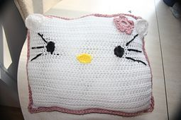 Ravelry: Hello Kitty Pillow pattern by Madeleine Cantu