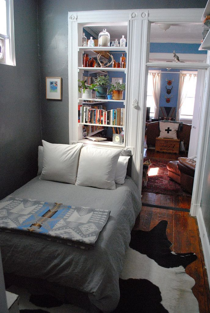 Separate Sleeping Alcove In A Bedroom Love The Details Blue