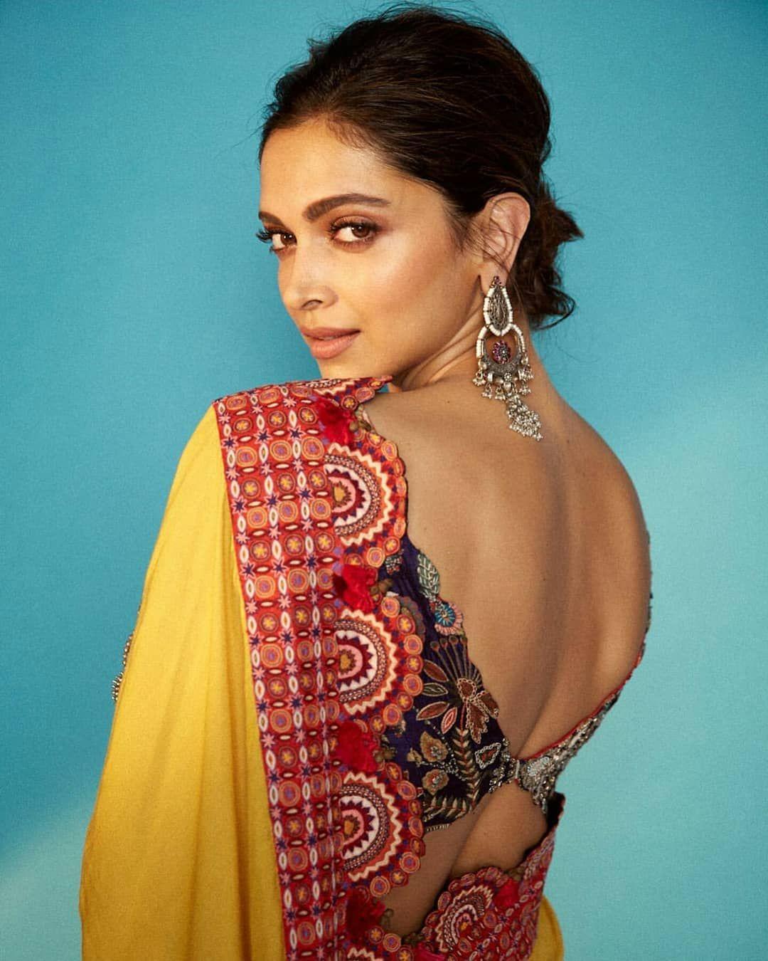 Deepika Padukone Picks Up A Pretty Saree For The ...