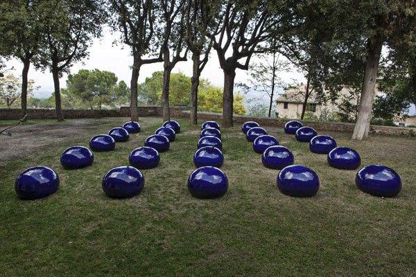 ai weiwei œuvre | Ai Weiwei - Bubble of Twenty Five, 2008, porcelain, 25 elements, 50 x ...