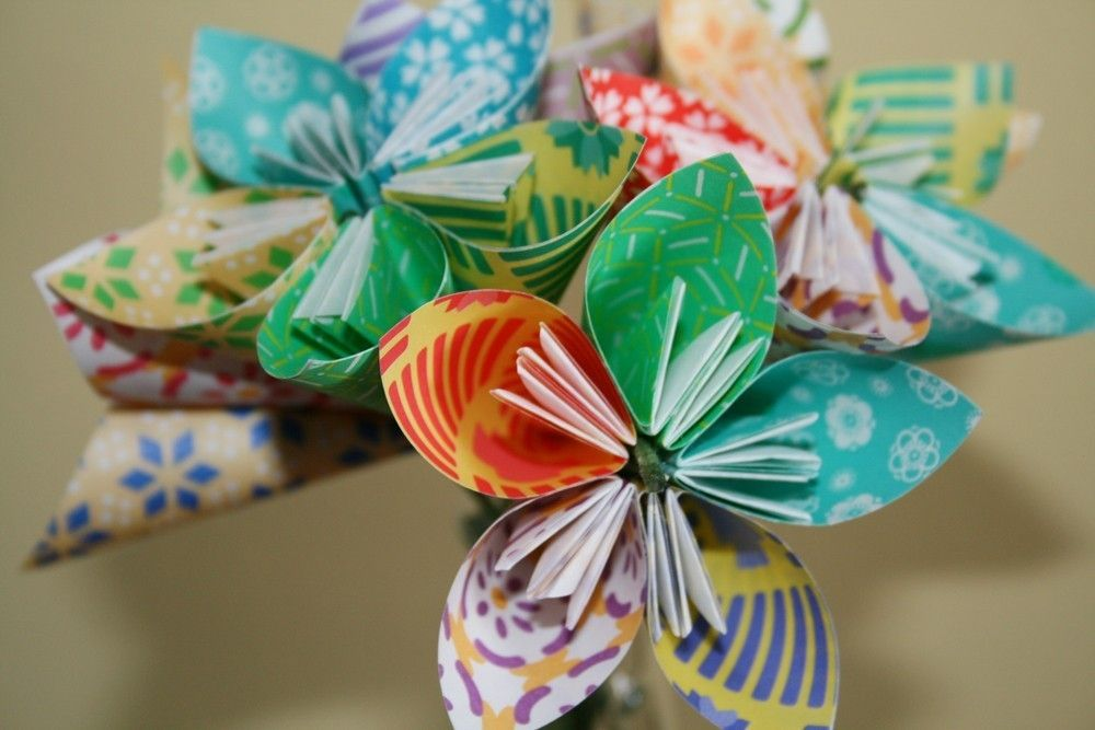 how to make origami paper flower · How to Make Paper