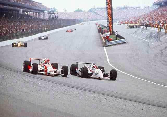 Rick Mears riprende il comando da Michael Andretti nel finale dell'edizione '91 conquistando il suo quarto successo. pinterest.com