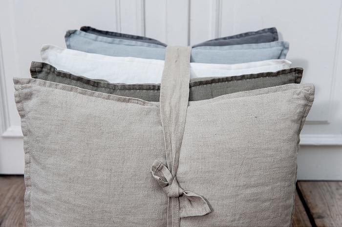 Trendkleur Diep Blauw : Blauw zand grijs. mooie kleuren bij elkaar. #leenbakker interior