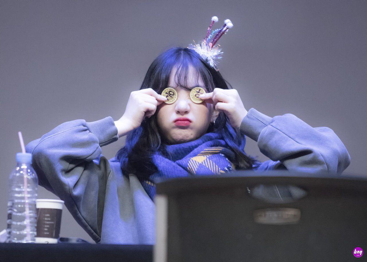 Pin by 𝐵𝓇𝒾𝓁𝓁𝒶𝓃𝓉 𝒢𝒶𝓁𝒶𝓍𝓎 on 여자친구 Yᴇᴏᴊᴀᴄʜɪɴɢᴜ in 2020