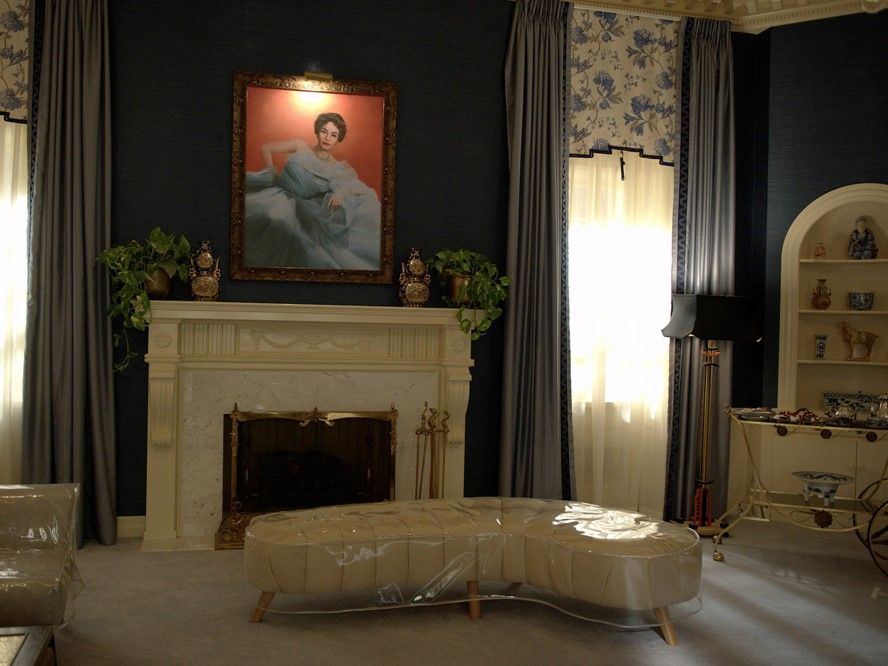 Inside The Homes Of Hollywood Legends Bette Davis And Joan Crawford With Fx S New Show Feud Joan Crawford Bette Davis Feud Bette And Joan