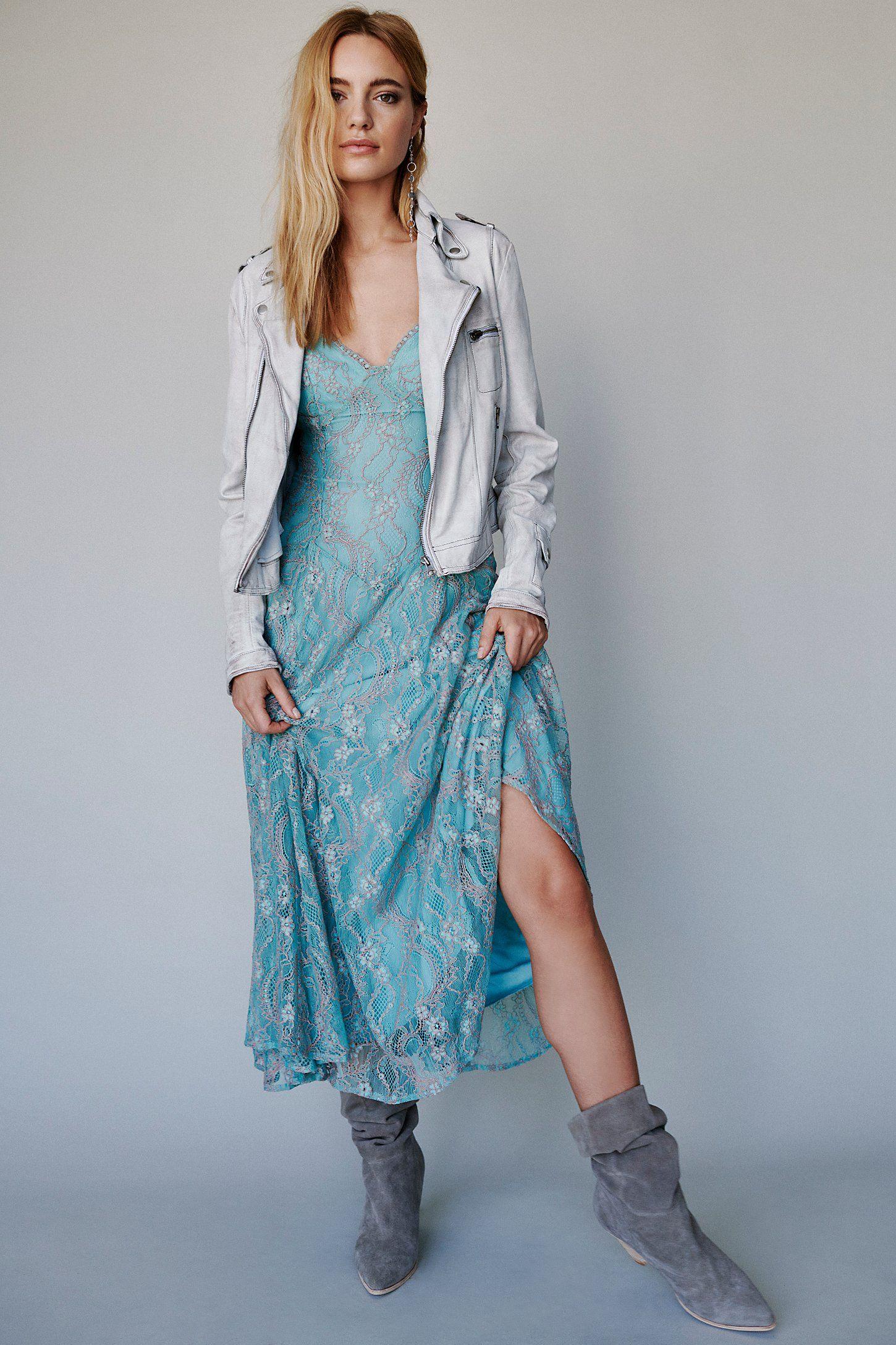 0504c4b1f5ed Moon River Lace Midi Dress