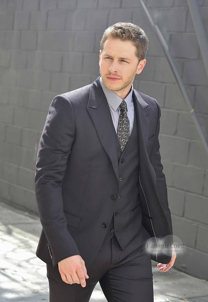 Pin on Oncer's - once upon a time  Josh Dallas Photoshoot