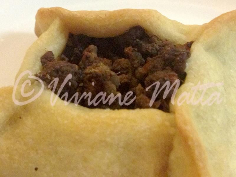 Healthy Weight Loss Recipes - Mini Meat Pies: Sfiha - http://bestrecipesmagazine.com/healthy-weight-loss-recipes-mini-meat-pies-sfiha/