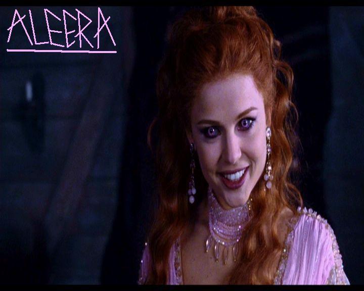 Aleera.....Hot Red head from Van Helsing | Vampires ...