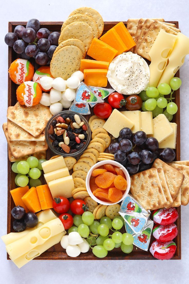 CHEESEBOARD FOR KIDS! This Cheese Platter is the perfect snack board. Great for kids playdates, afte