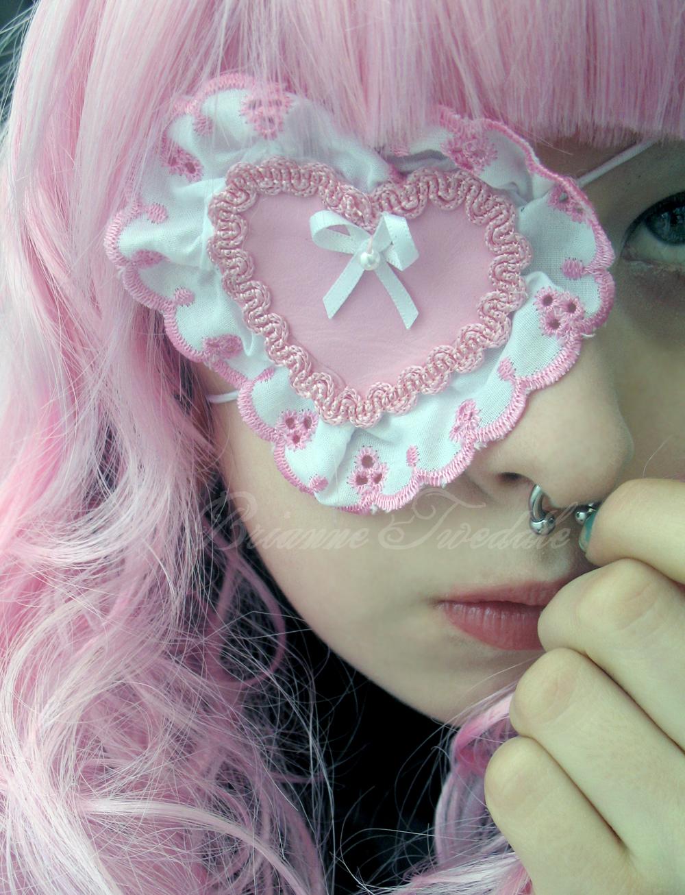 Girly eye patch http://neumorin.deviantart.com/gallery/#/d297kg4