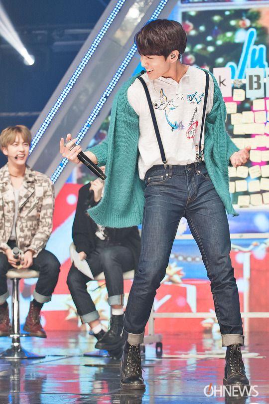 Simply kpop 25122015 fanmeet | BTS | BTS, Bts jungkook, Bts mv