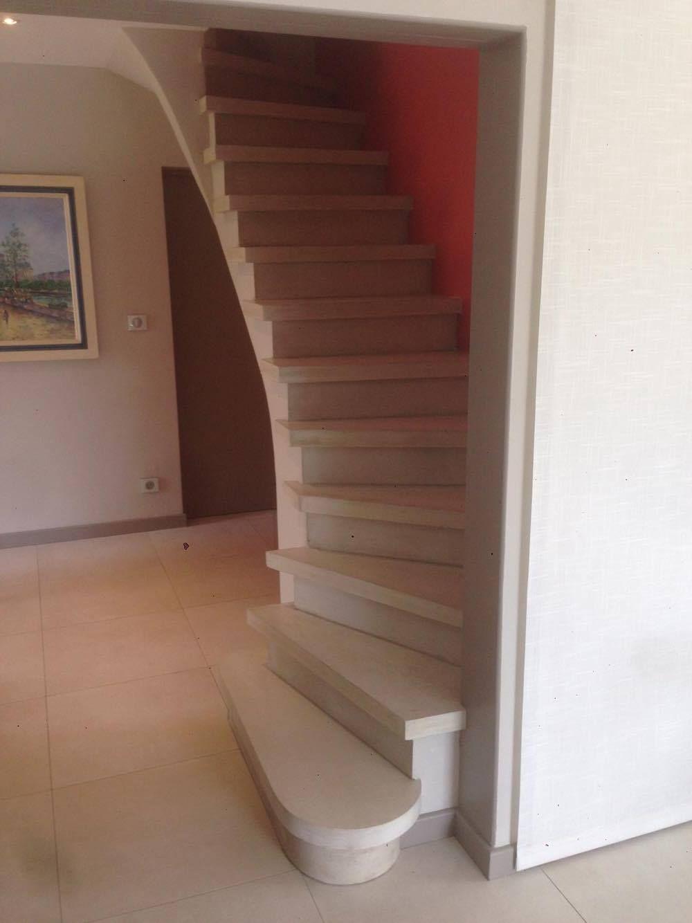 Fabrication Et Pose D Escalier En Beton Teinte A Carcassonne Et Toulouse Escalier Beton Escalier Beton Teinte
