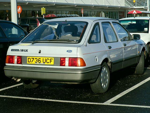 1986 Ford Sierra 1 8 Lx Hatchback Ford Sierra Mid Size Car Ford