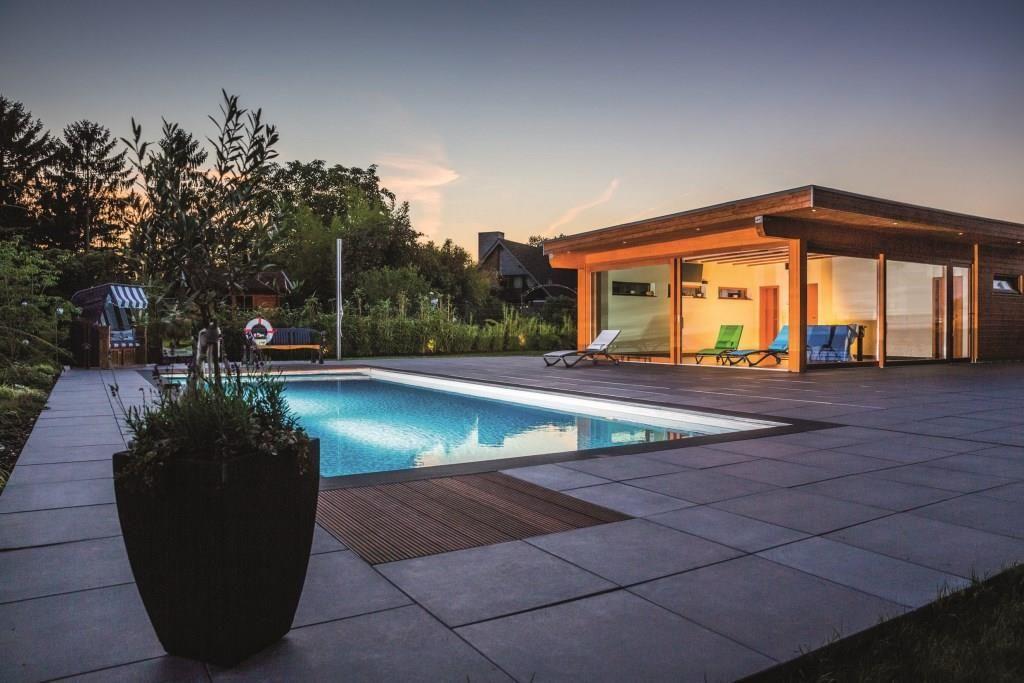 Smart Home Im Garten Wachen Und Wassern Via App Designigel Pool Beleuchtung Garten Gartenhaus
