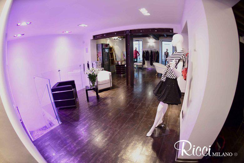 Ricci milano noleggio arredi di design ha allestito lo showroom