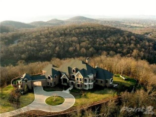 Tour leann rimes home for sale near nashville set on more for Nashville star home tour