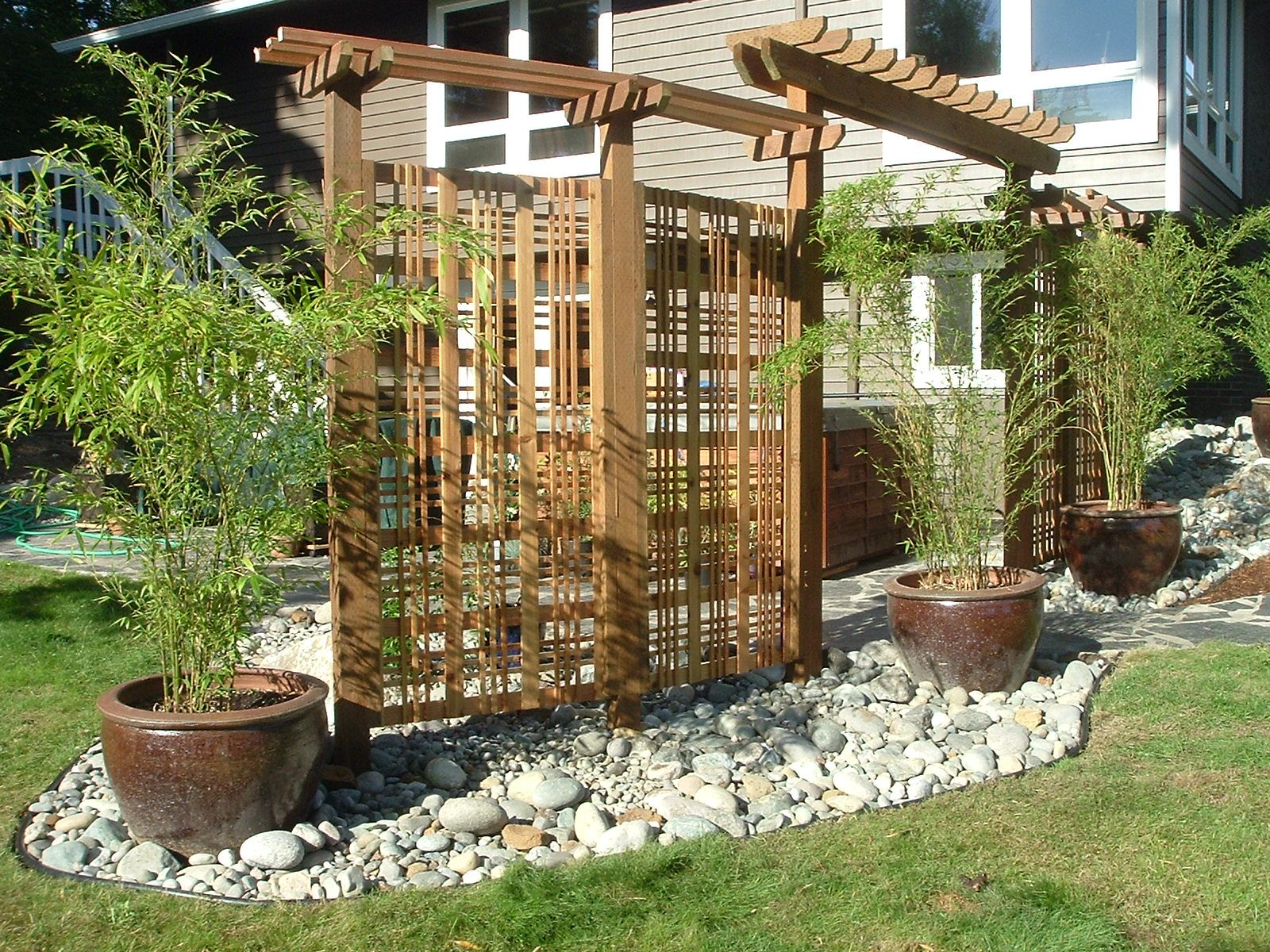 Exteriors decorative wooden privacy screen designs for for Backyard patio privacy ideas