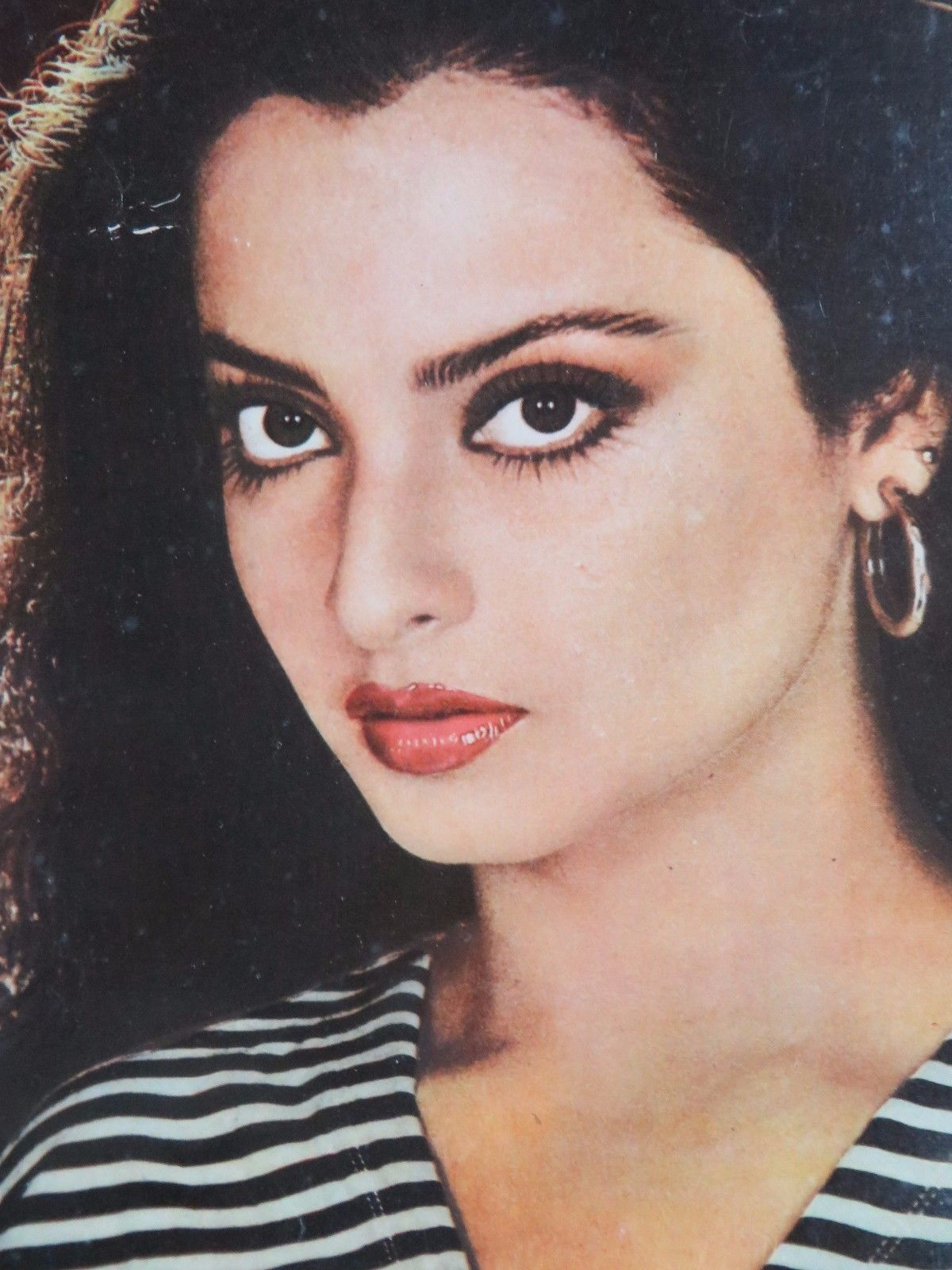 195x 135 Photo Print Vintage Poster Bollywood Actress Love Rekha