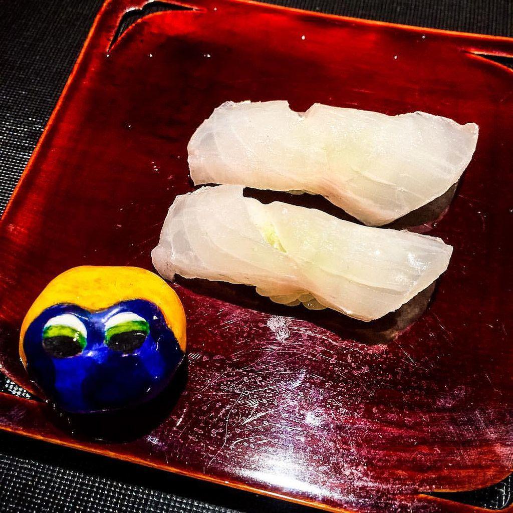 Sushi is soooo cool lol lol lol #mizumushikun #japan #kyoto #kyotojapan #kyototrip #japanese #japanesefood #sushi #sushilovers #sushitime #fish #kaiseki #kaisekicuisine #kaisekiryori #gion #food #foodphotography #foodstagram #yummy #delicious