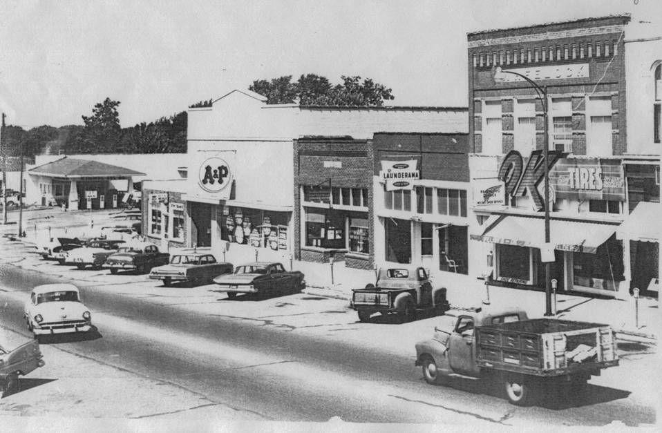 Hiawatha Kansas A P Store 1960 S Hiawatha Kansas Old Town