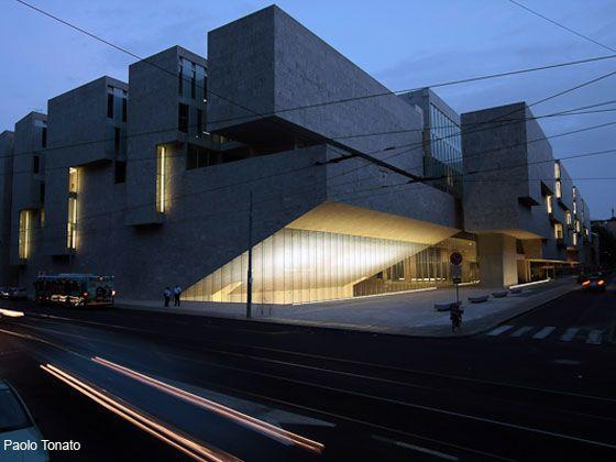 Bocconi University Offices Public Spaces Metis Lighting Facade Architecture Facade Lighting