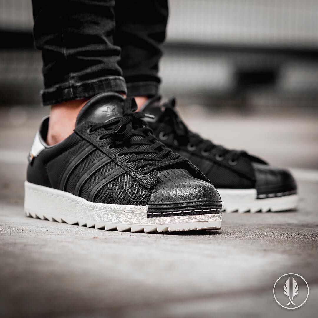 adidas superstar black and white 2016