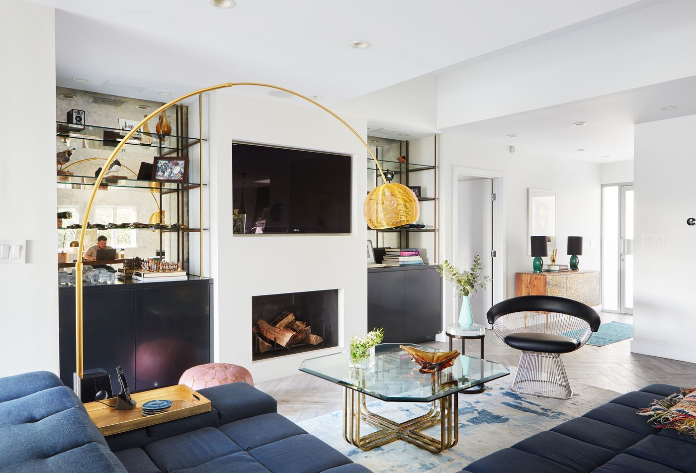 A bachelor embraces color and quirk in the Hollywood Hills ...