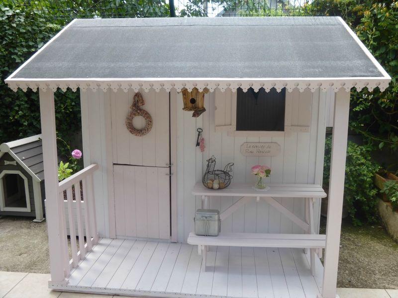Visite du cottage le cottage de rose petticoat for the home kids house wendy house et - Cabane jardin bois enfant ...