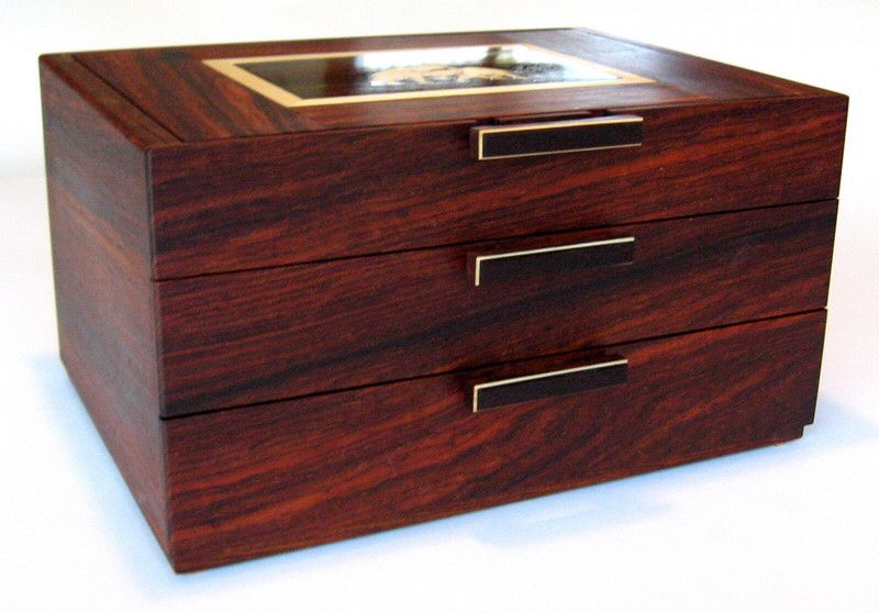 Pin By Louise On Wooden Glories Jewelry Box Plans Fine Woodworking Wooden Boxes