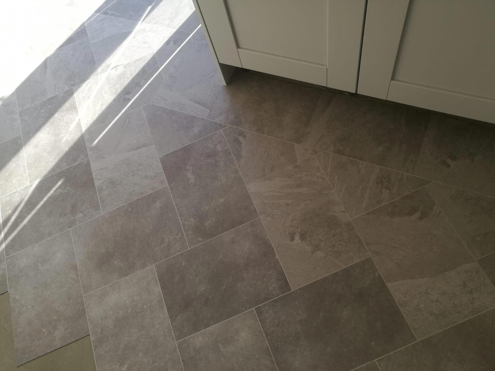 Kitchen Utility Wc Done In Karndean Knight Tile In Grey Riven Slate With Concrete Design Strips Carpets Grey Flooring Grey Floor Tiles Karndean Knight Tile