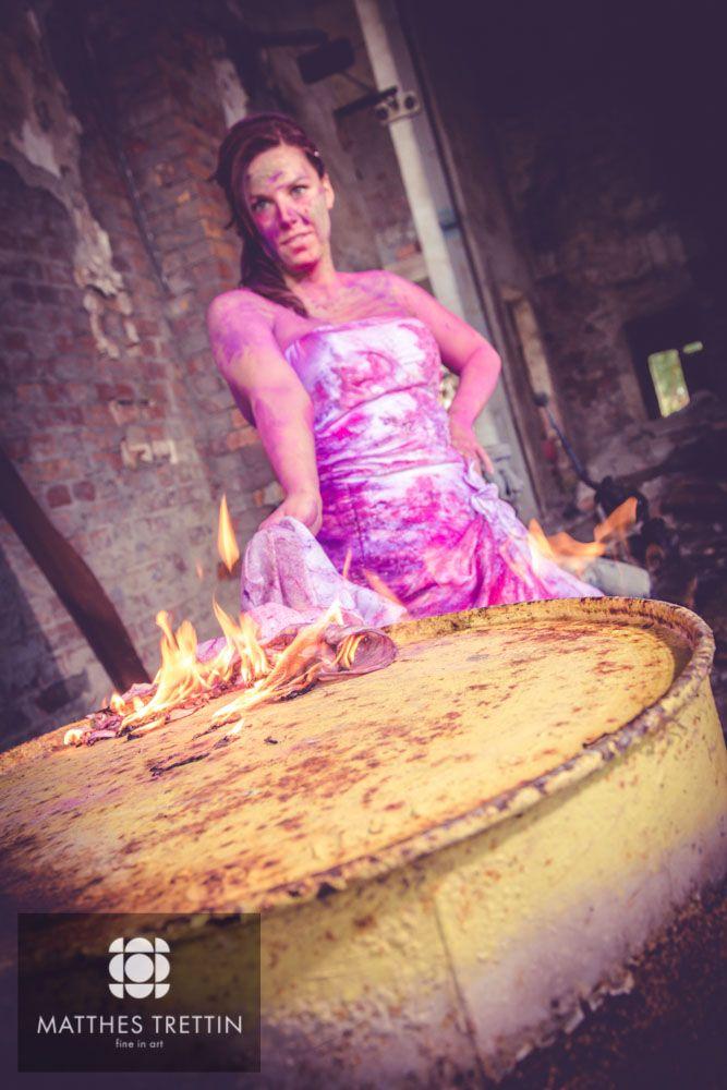 Tras the Dress auf der Insel #Rügen und Feuer ;-) #TTD #TrashtheDress #Hochzeit