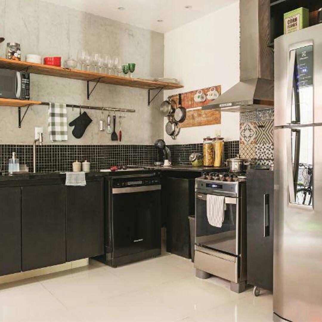 Cozinha Industrial Eletros Em Inox Cimento Queimado Prateleiras E