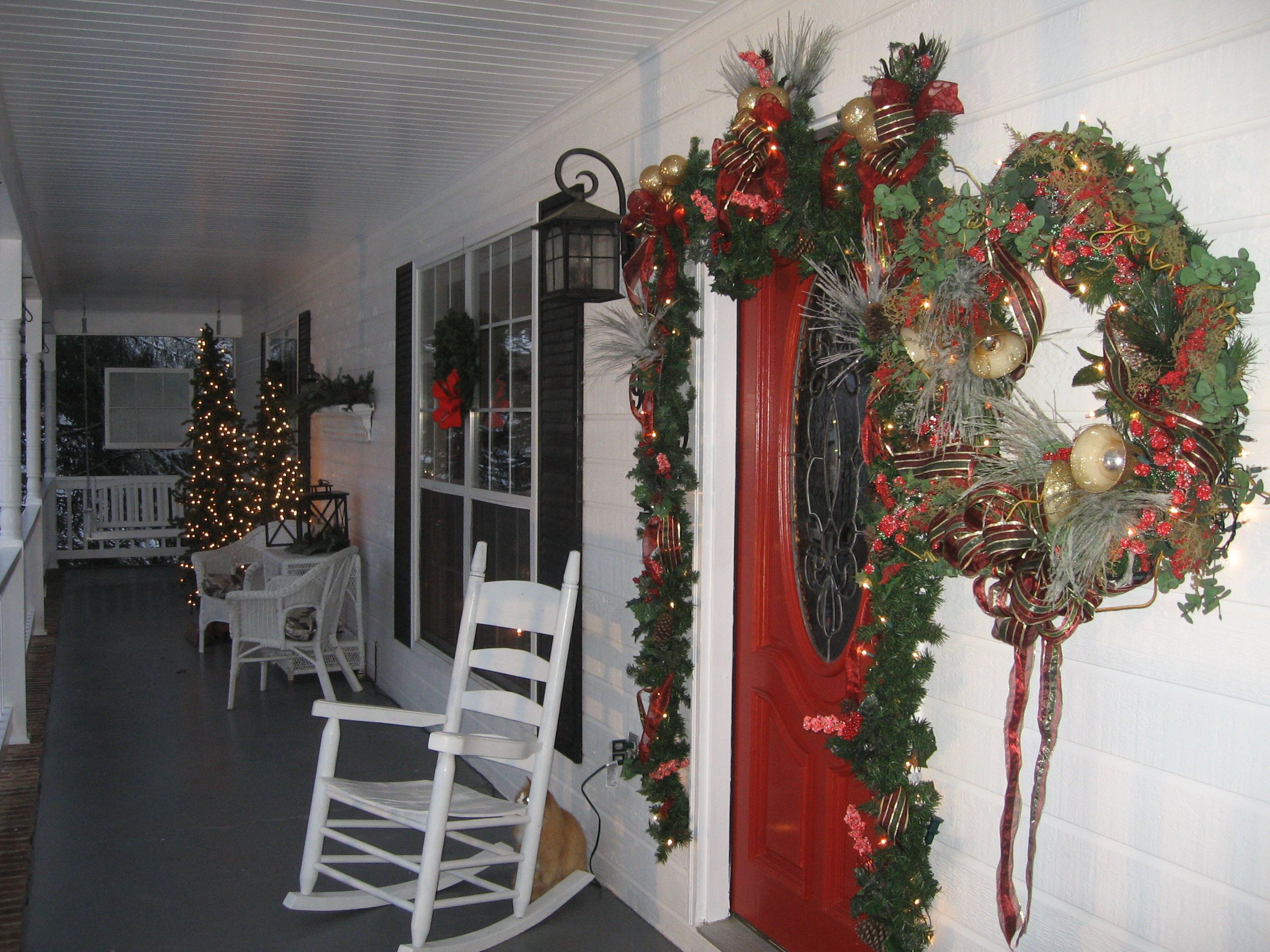 Front porch | Decorating for Christmas | Pinterest