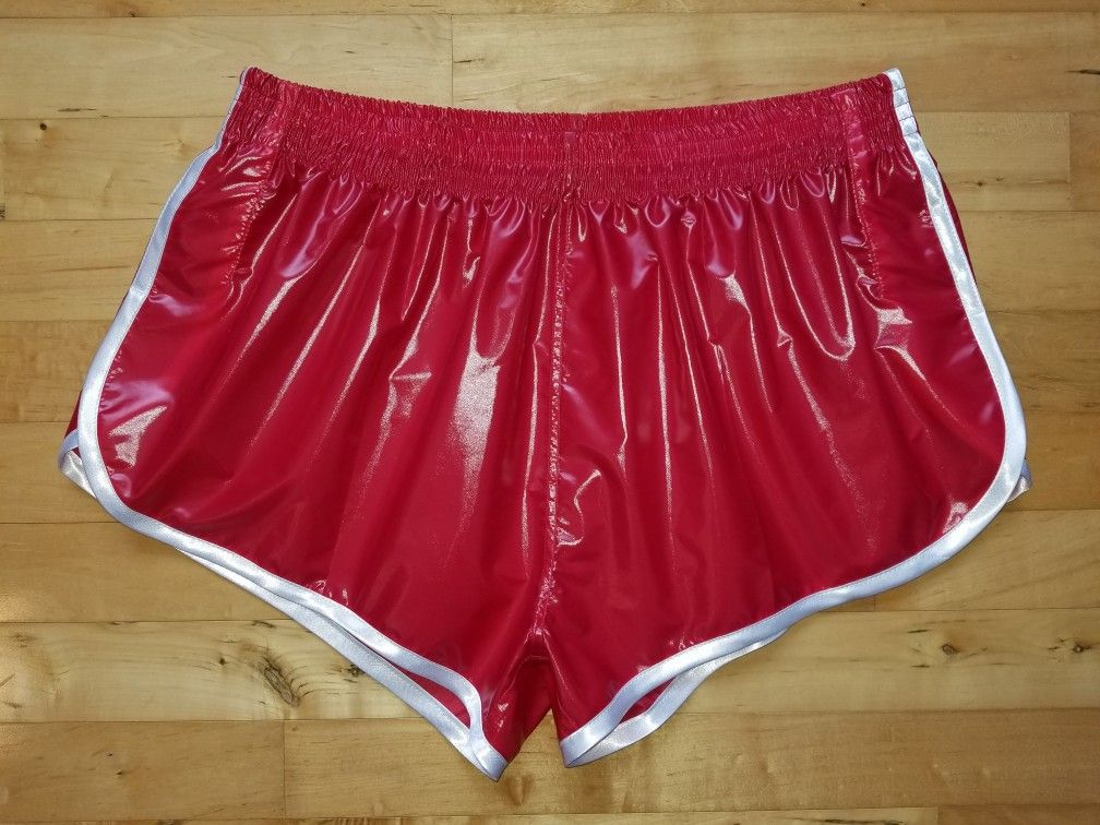 Pin auf Shiny mens shorts