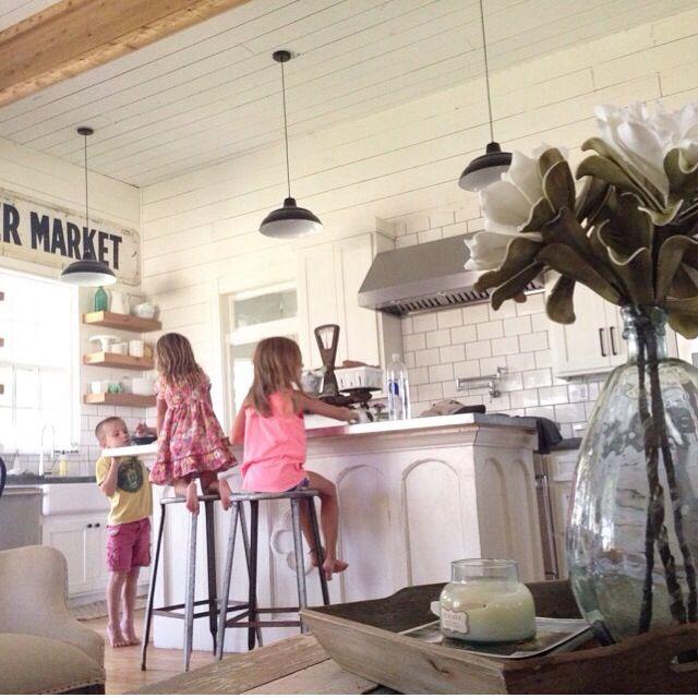Joanna Gaines, Instagram, HGTV, Magnolia Homes. Light