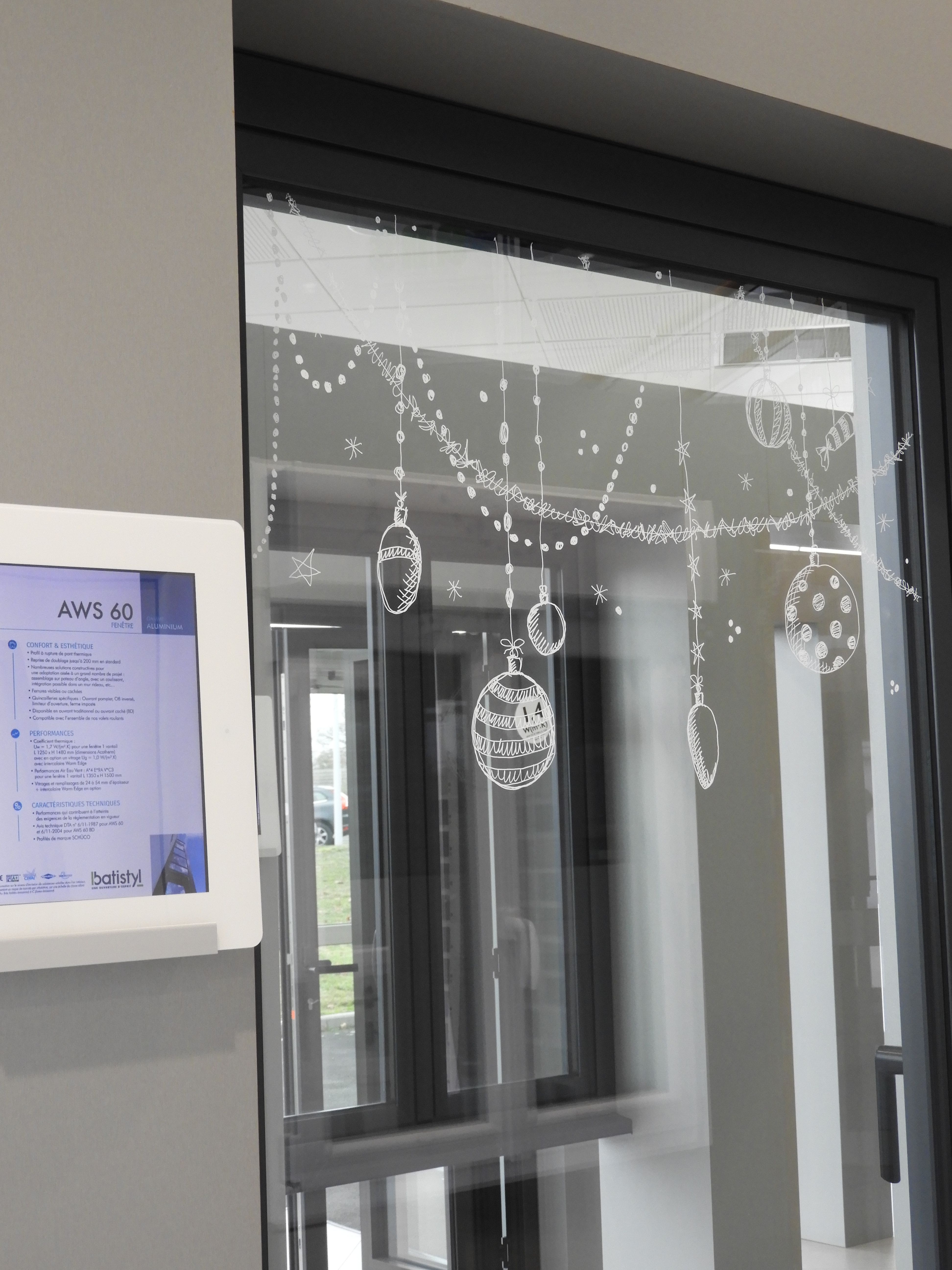Fenetre Alu Noir Avis fenêtre gamme aws60 - showroom batistyl maulévrier