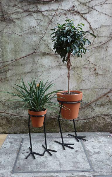 maceteros de hierro para pared - Buscar con Google Hogar - Deco - maceteros para jardin