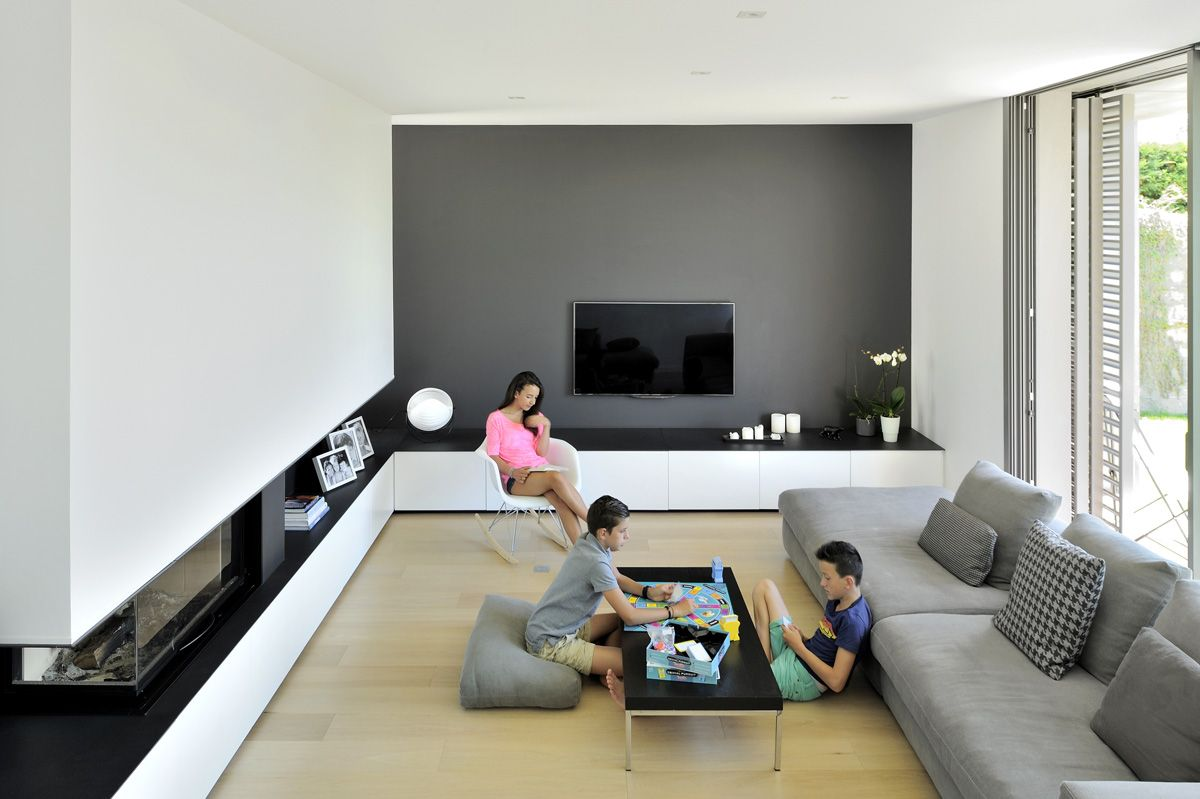 Maison Contemporaine Dans L Ouest De Lyon Salon Avec Chemin E  # Meuble Tv Cheminee Ethanol