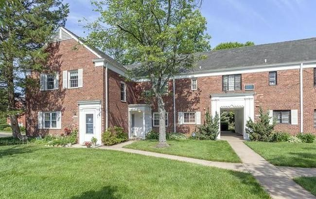 Search For Homes For Sale In Parkfairfax In Alexandria Va House Search House Styles Apartment Building