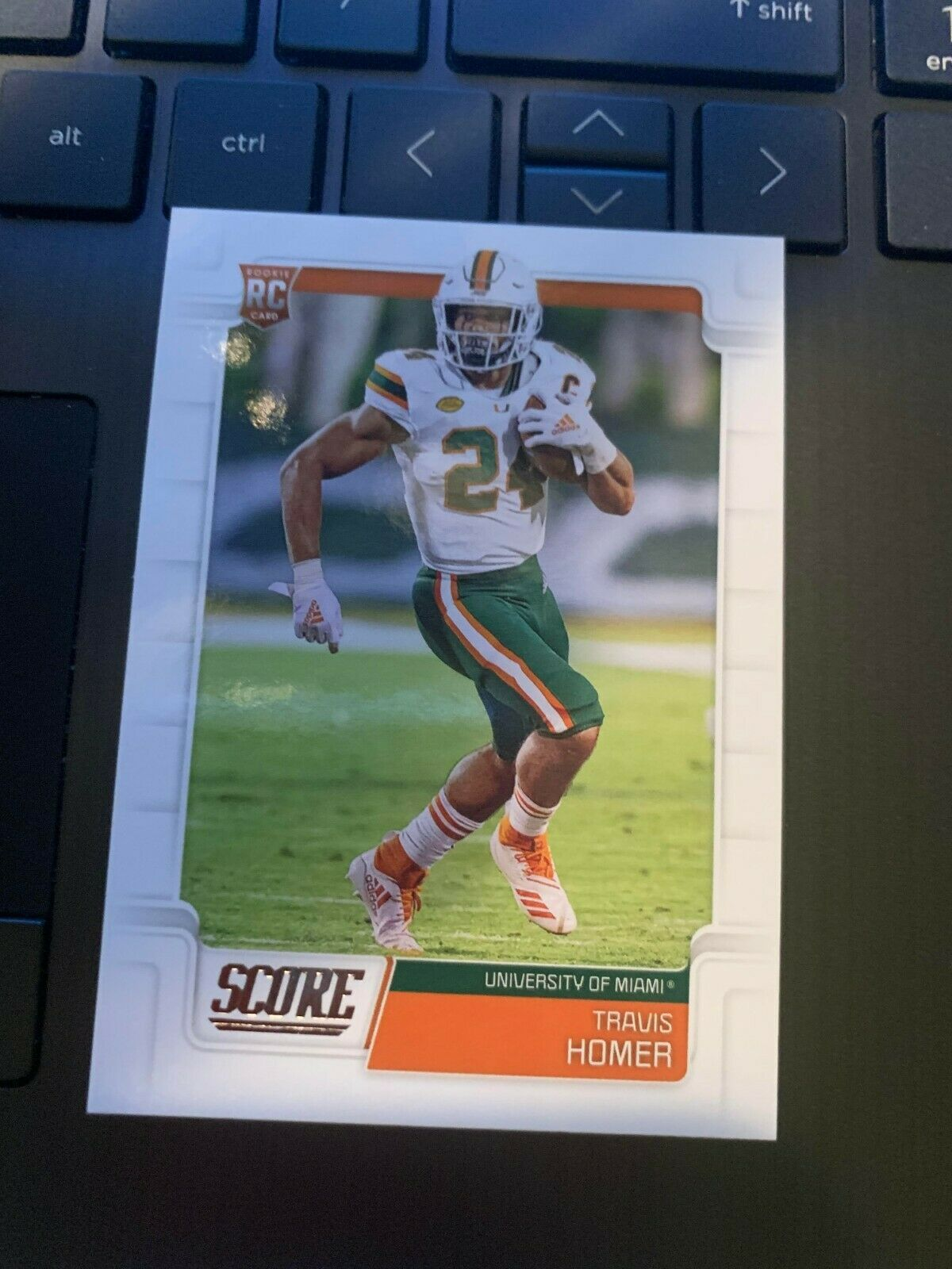 2019 Score Football Base Rookie 418 Travis Homer Rc In 2020 Football Homer Football Cards