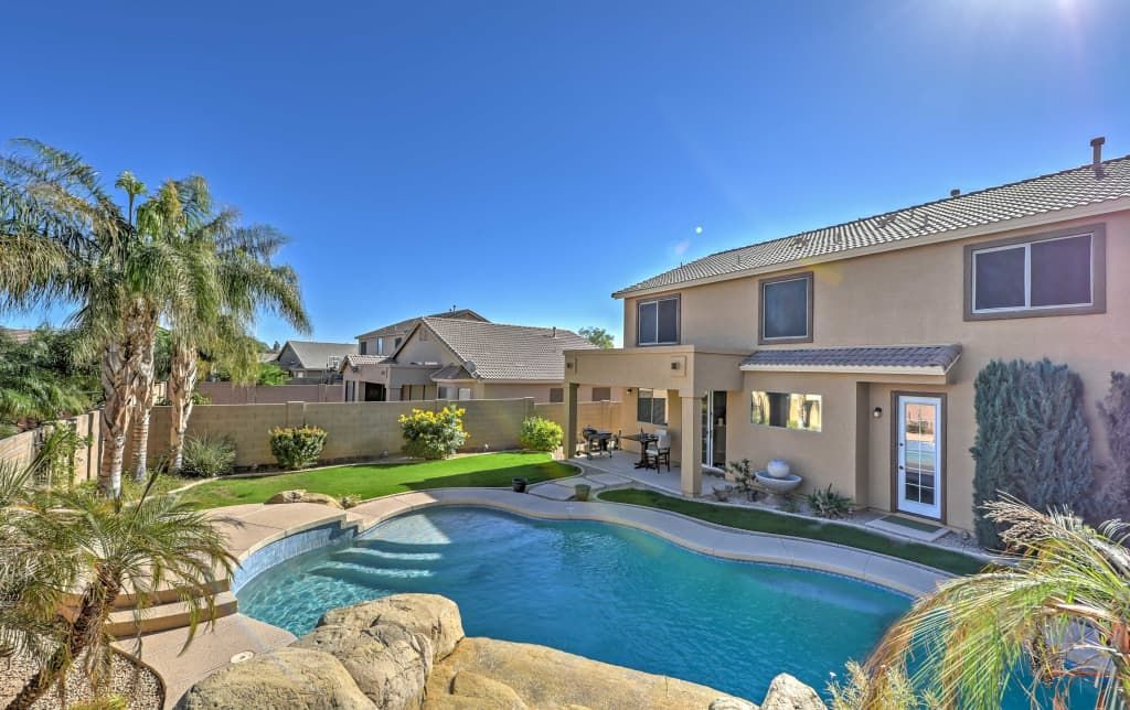 NEW! Inviting 5BR Surprise House w/Private Pool Phoenix