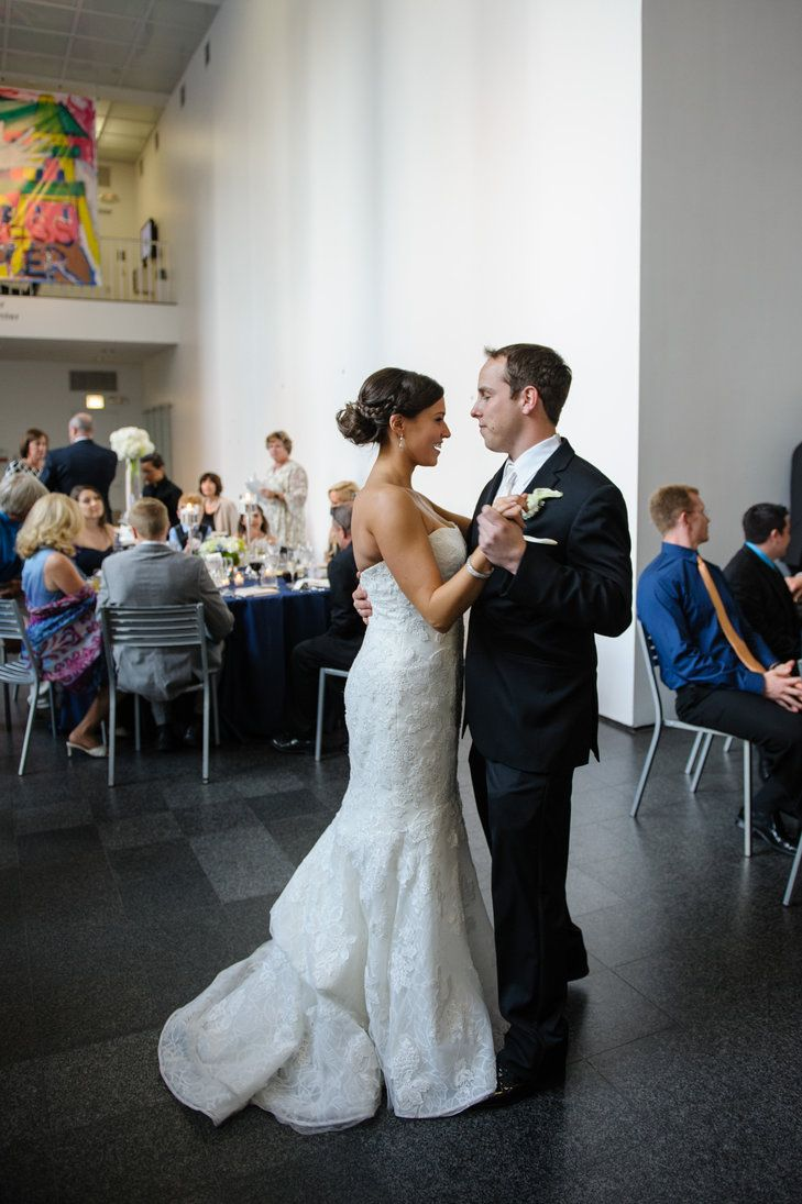 Alison Lautz 32 And A Clinical Social Worker Ryan Ruettiger 30 Regional S Manager Had Their Modern Urban Wedding At The Museum Of