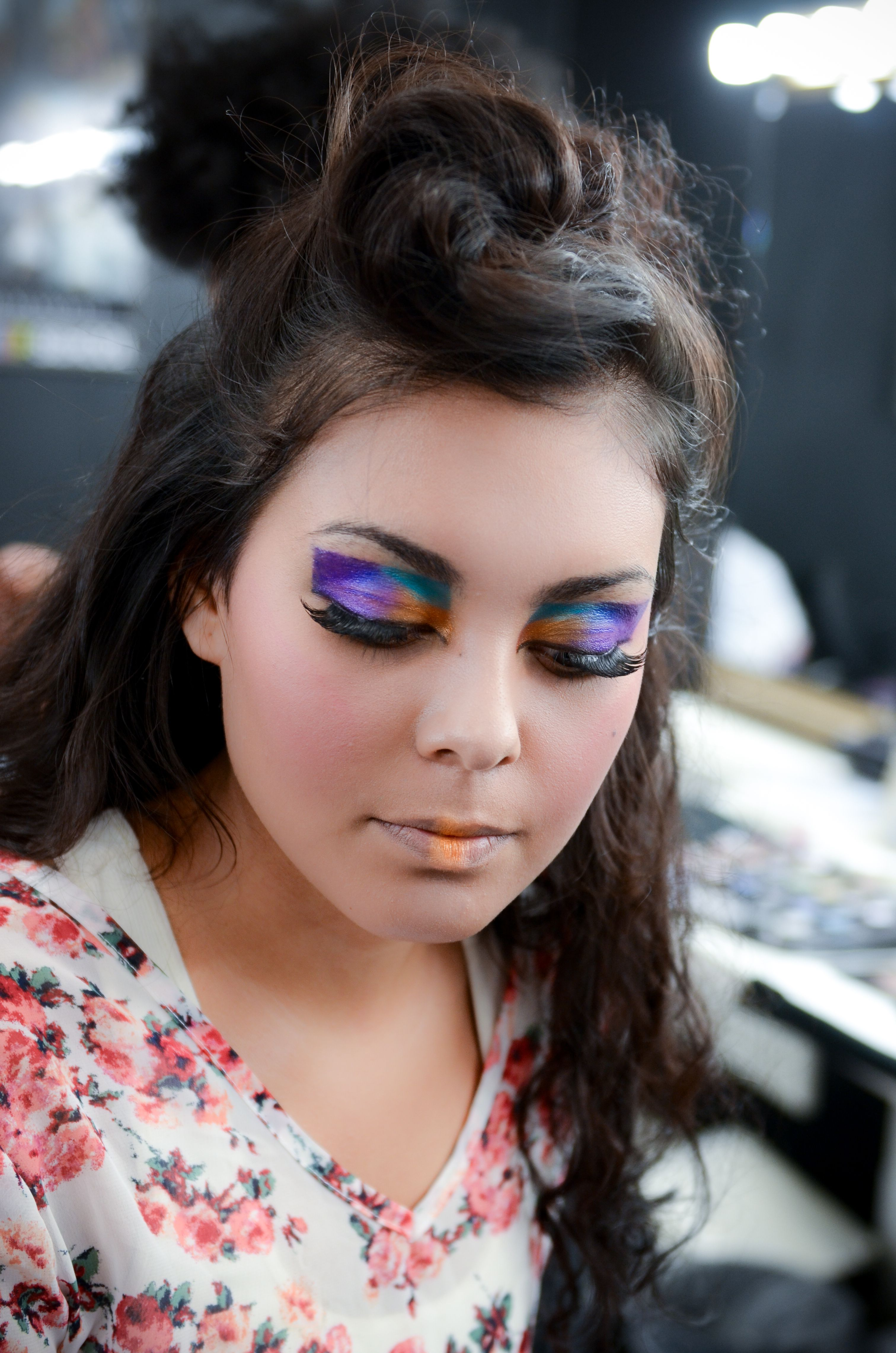 Beauty Bridal And Glamour Makeup Classes At Cmc Makeup School Learn About Foundation Highlight And Contour Focus School Makeup Glamour Makeup Makeup Class