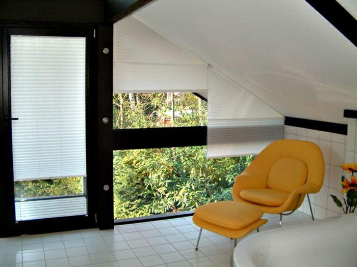 Dreiecksfenster Verdunkeln dreiecksfenster verdunkeln mit modernen weißen jalousien wohnung