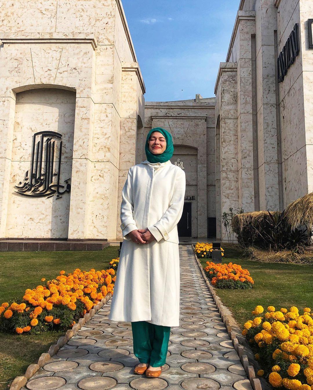 I Converted To Islam   Rosie Gabrielle   @rosiegabrielle