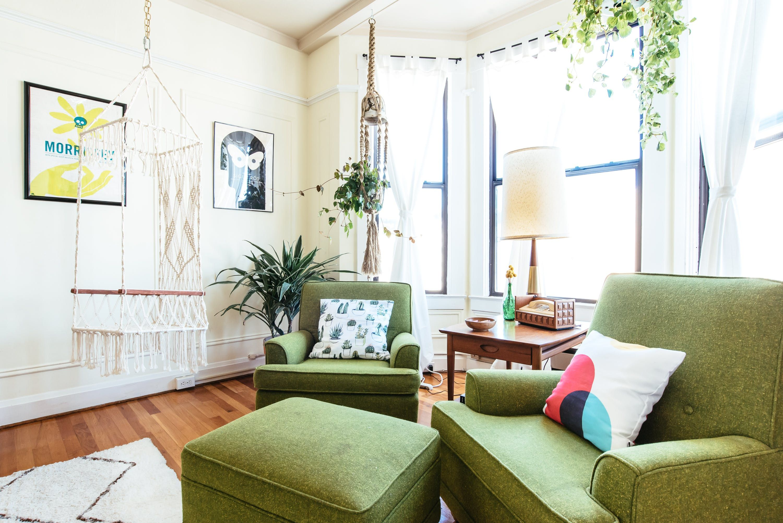 A Craigslist Chic San Francisco Apartment | Ottomans, San francisco ...