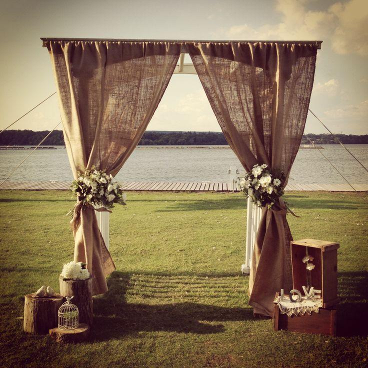 ideas de la boda rústico -burlap altar de la boda