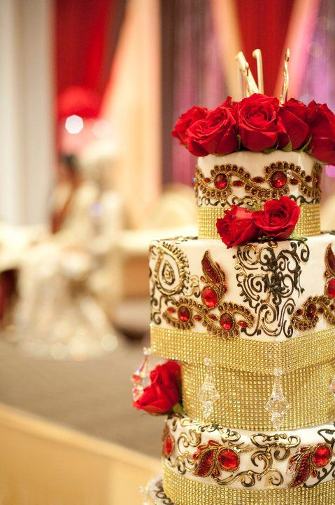 stunning wedding cake! Indian wedding cake | Pretty Wedding things ...